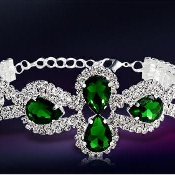 Stunning & Gorgeous Silver Plating Crystal Rhinestone & Emerald Decorated Bracelet with 6 Emeralds (Green)