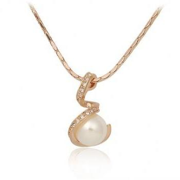 ITALINA Rolled Gold Plated Necklace with Pearl Pendant (Gold)
